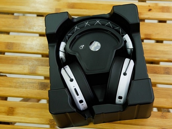 tai nghe corsair hs70 se wireless
