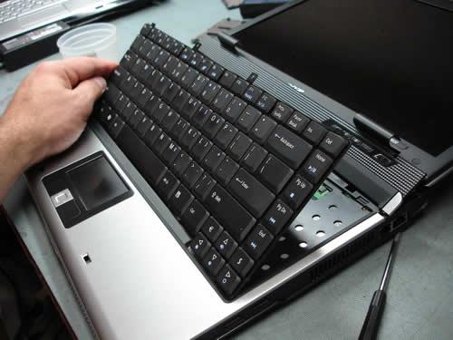 2501 thay ban phim laptop